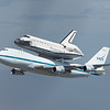 Space Shuttle Endeavor at LAX : A very historic and patriotic event at LAX on 09/21/12.  The end of an era, the beginning of a new one.